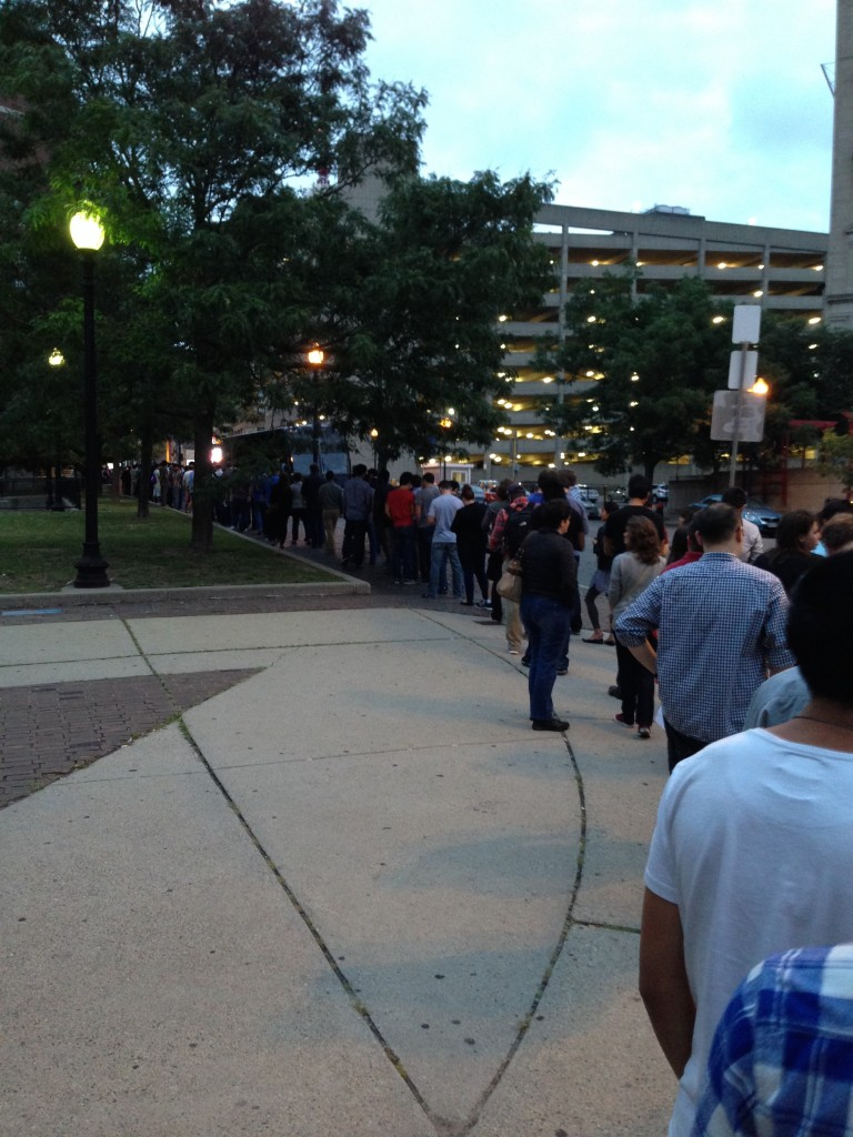 EngadgetLive Boston entrance line at 7:30pm
